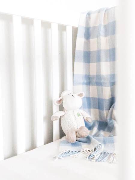 minimalist baby registry crib essentials