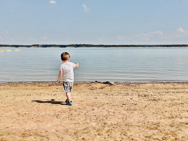 beaches in Dallas - Meadowmere Park on Grapevine Lake