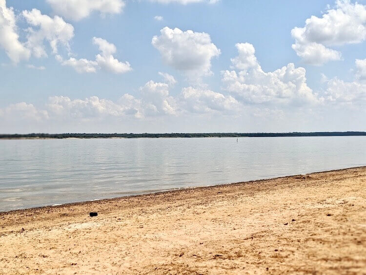 find calm, shallow waters at many of the lakeside Dallas beaches
